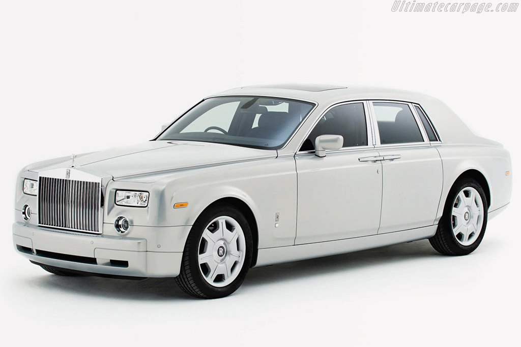 Click here to open the Rolls-Royce Phantom Silver gallery
