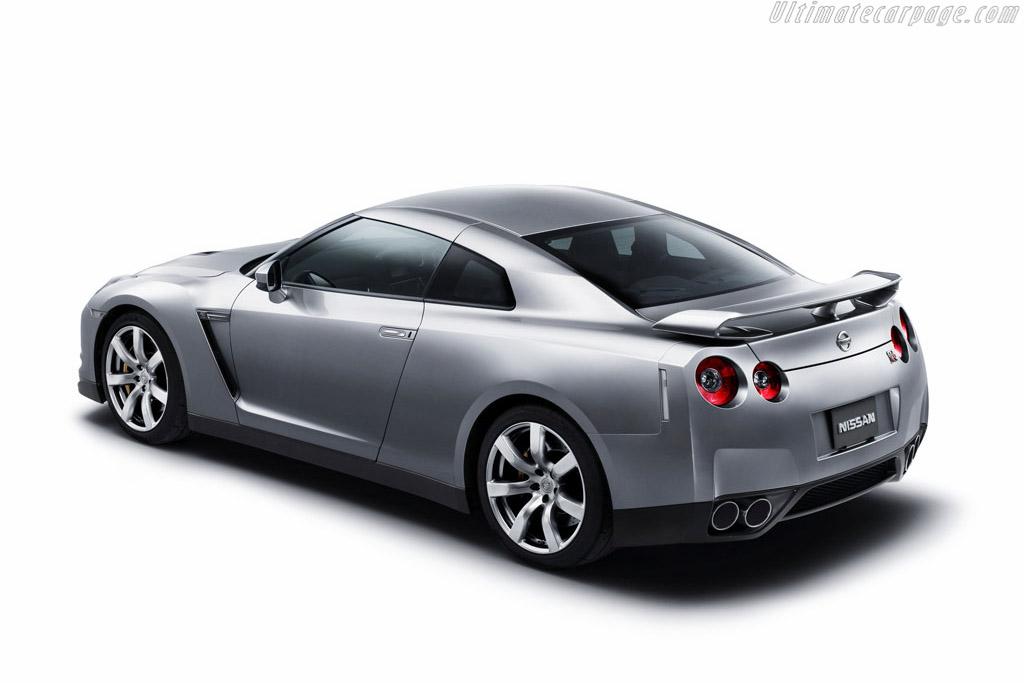 Nissan 2018 >> Nissan GT-R