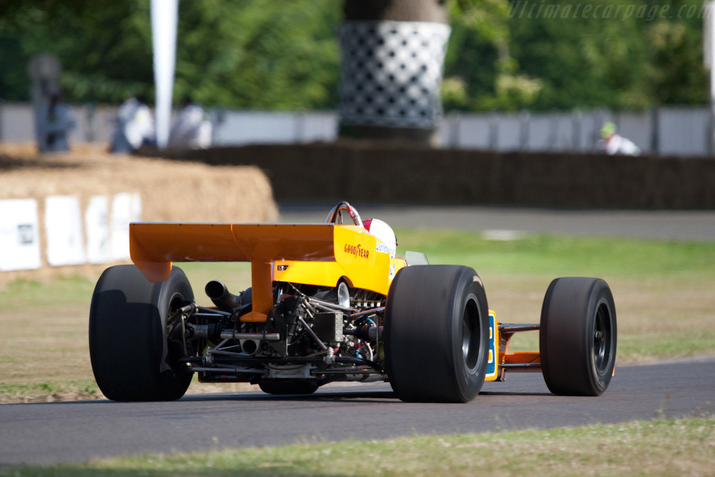 McLaren M16C/D Offenhauser - Chassis: M16C/5 - Driver: Johnny Rutherford  - 2009 Goodwood Festival of Speed