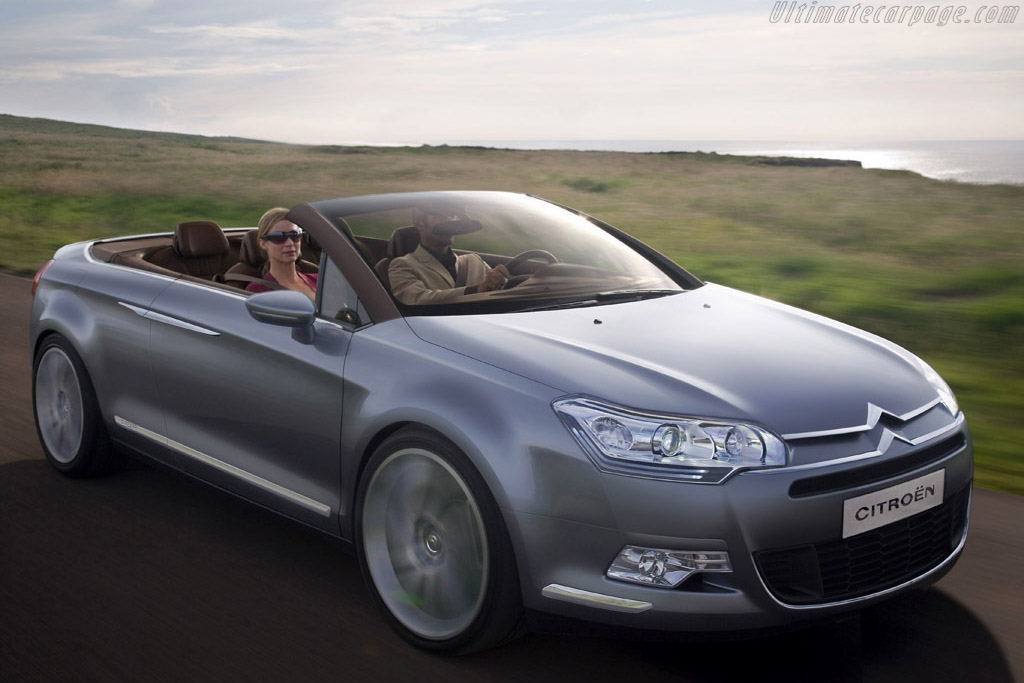 Click here to open the Citroën C5 Airscape Concept gallery