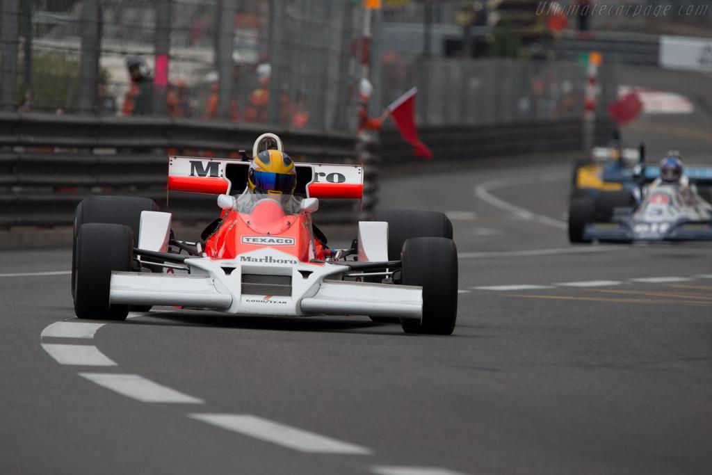 McLaren M26 Cosworth - Chassis: M26-4 - 2014 Monaco ...