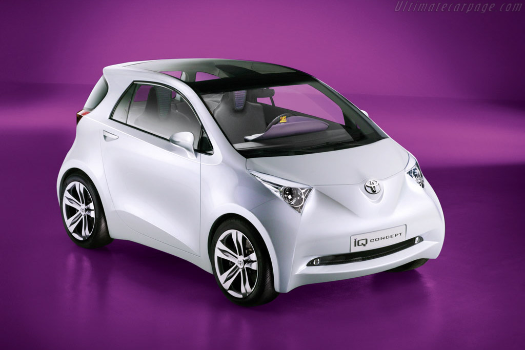 Click here to open the Toyota iQ Concept gallery