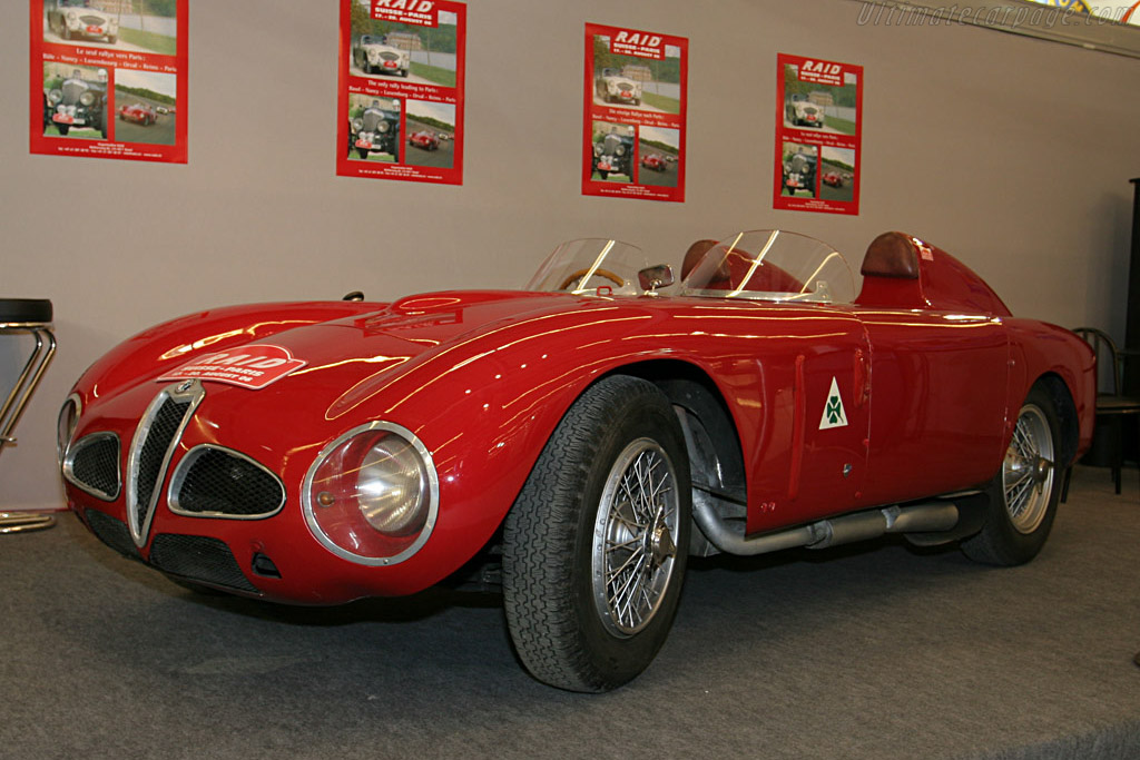 Click here to open the Alfa Romeo 6C 3000 CM Colli Spider gallery