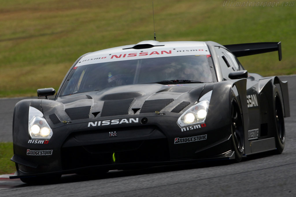 Click here to open the Nissan GT-R GT500 gallery
