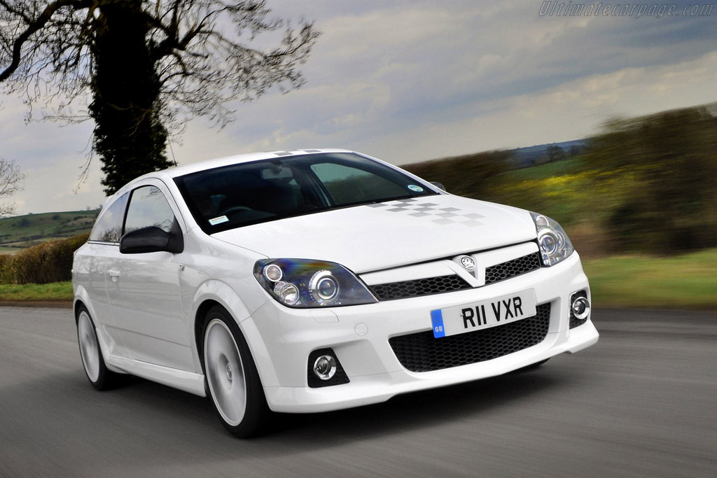 Click here to open the Vauxhall Astra VXR Nürburgring Edition gallery