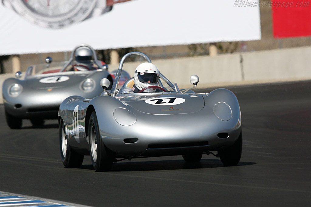 Click here to open the Porsche 718/2 RSK Spyder gallery