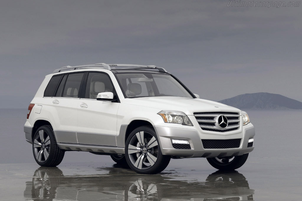 Click here to open the Mercedes-Benz Vision GLK Freeside gallery