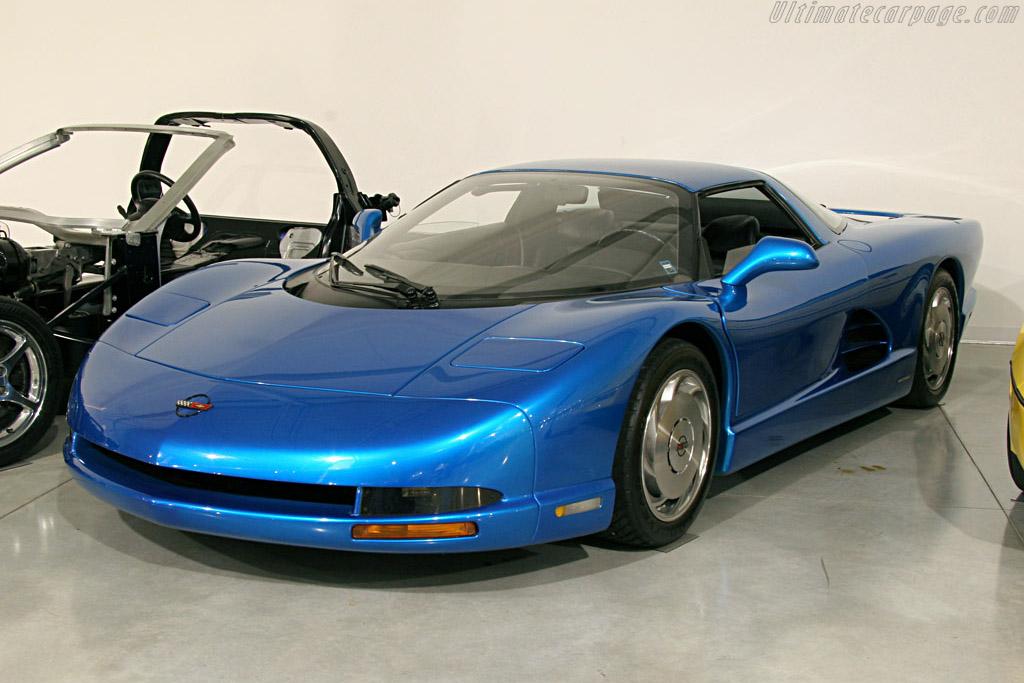 1990 Chevrolet Corvette CERV III Concept - Images ...