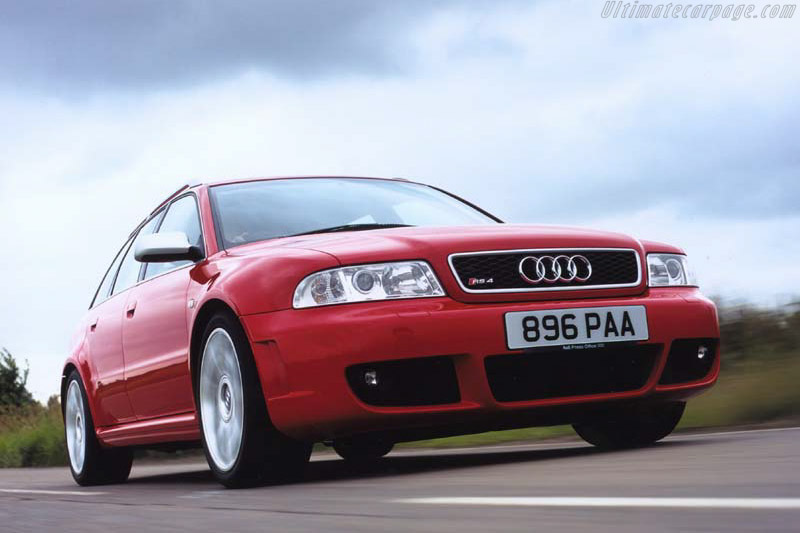 Click here to open the Audi RS 4 gallery
