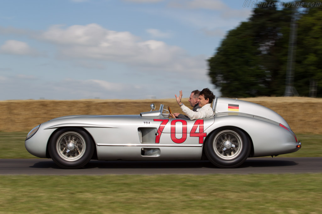 Mercedes-Benz 300 SLR Roadster - Chassis: 00002/55 - Driver: Toto Wolff  - 2015 Goodwood Festival of Speed
