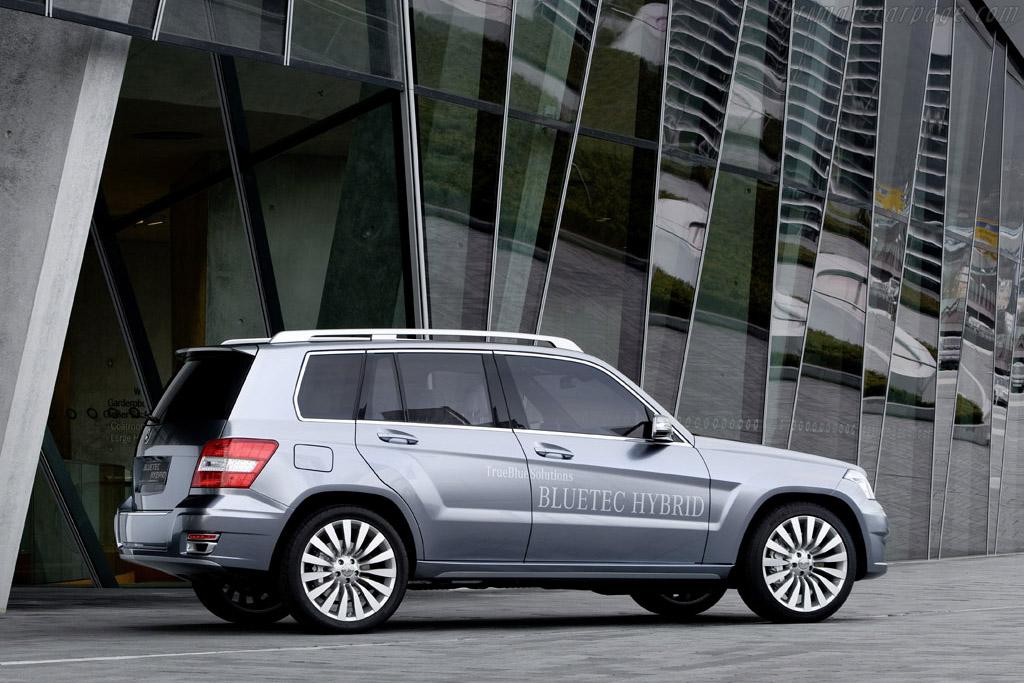 Mercedes benz vision glk bluetec hybrid for Mercedes benz vision statement
