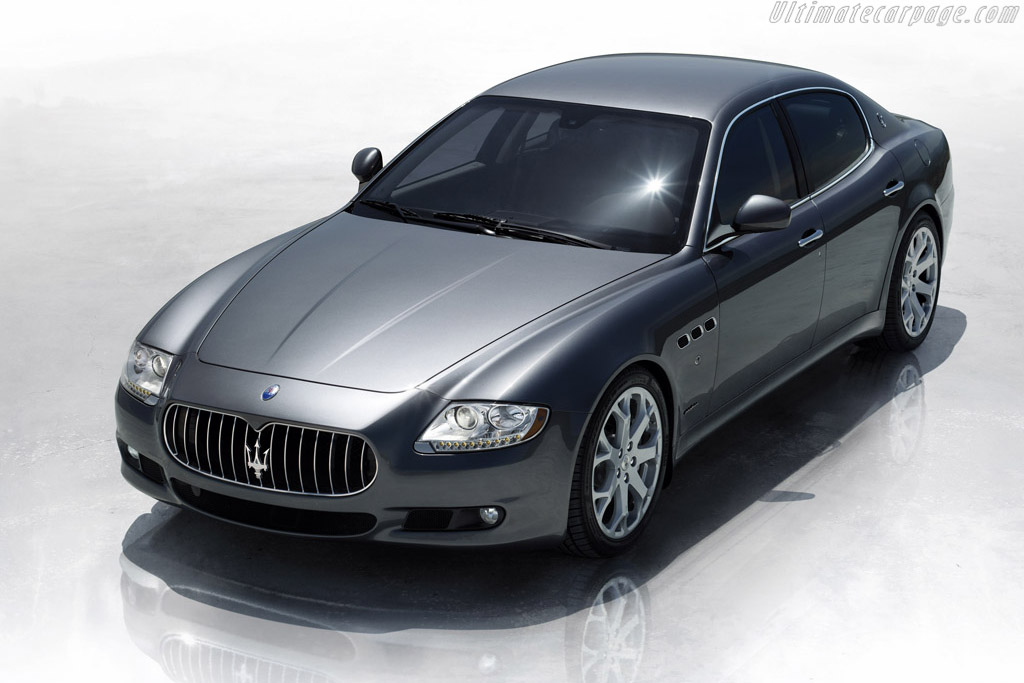 Click here to open the Maserati Quattroporte S gallery
