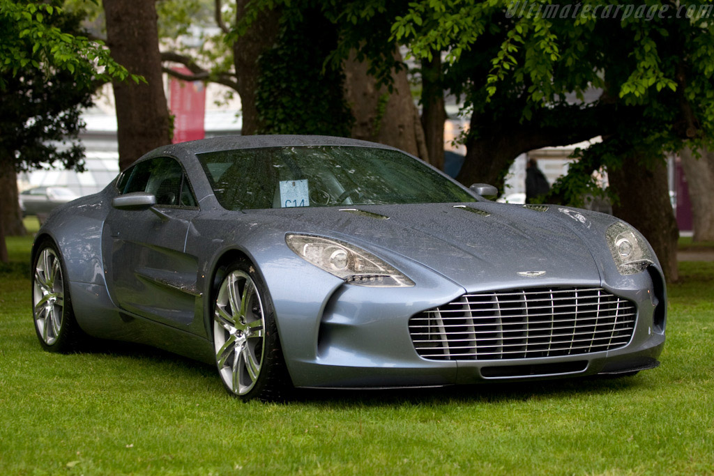 Click here to open the Aston Martin One-77 gallery