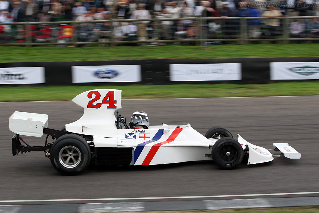 Hesketh 308 Cosworth - Chassis: 308/2   - 2007 Goodwood Revival