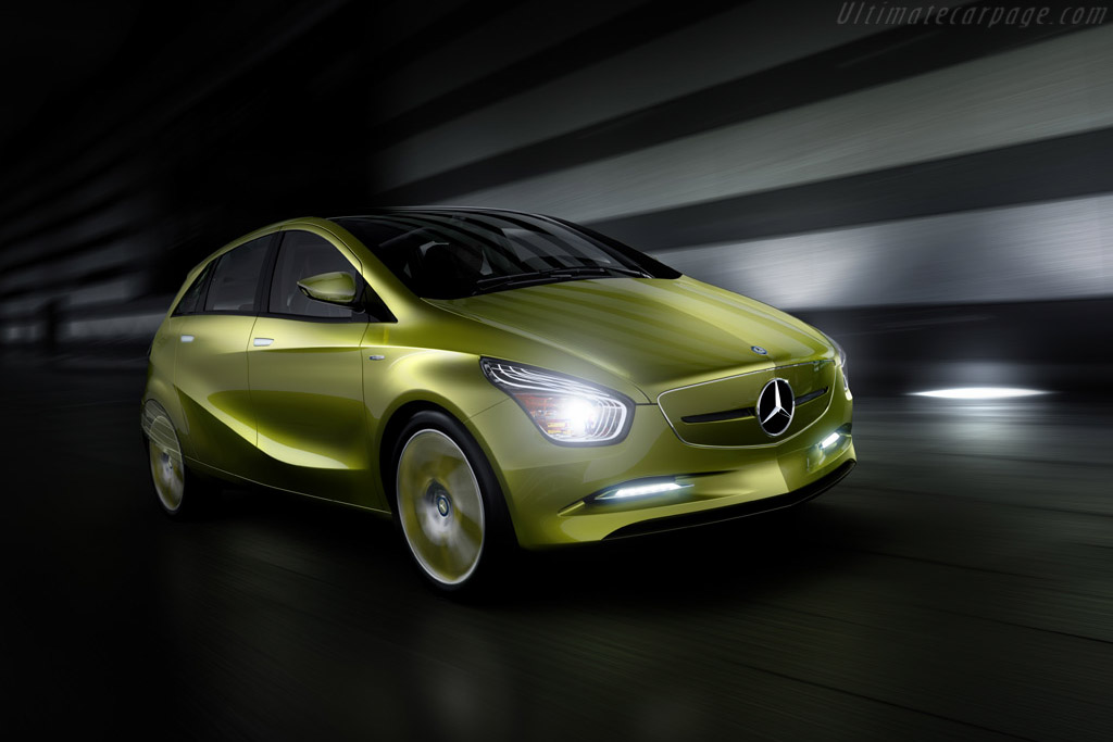 Click here to open the Mercedes-Benz Concept BlueZERO gallery