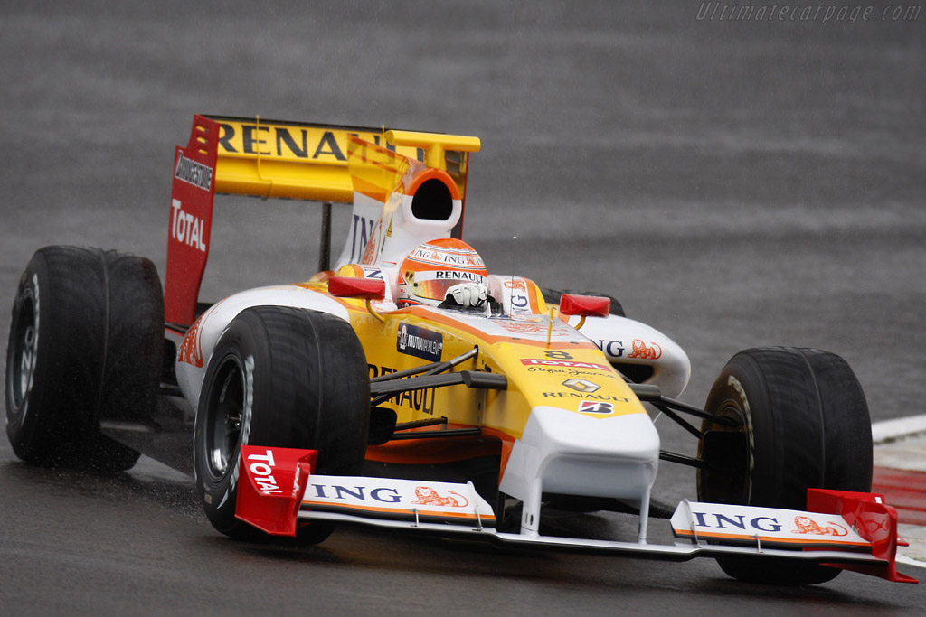 Click here to open the Renault R29 gallery
