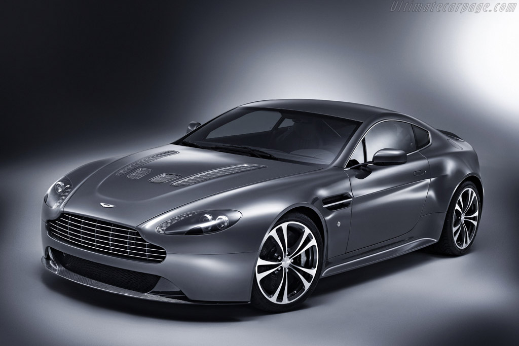 Click here to open the Aston Martin V12 Vantage gallery
