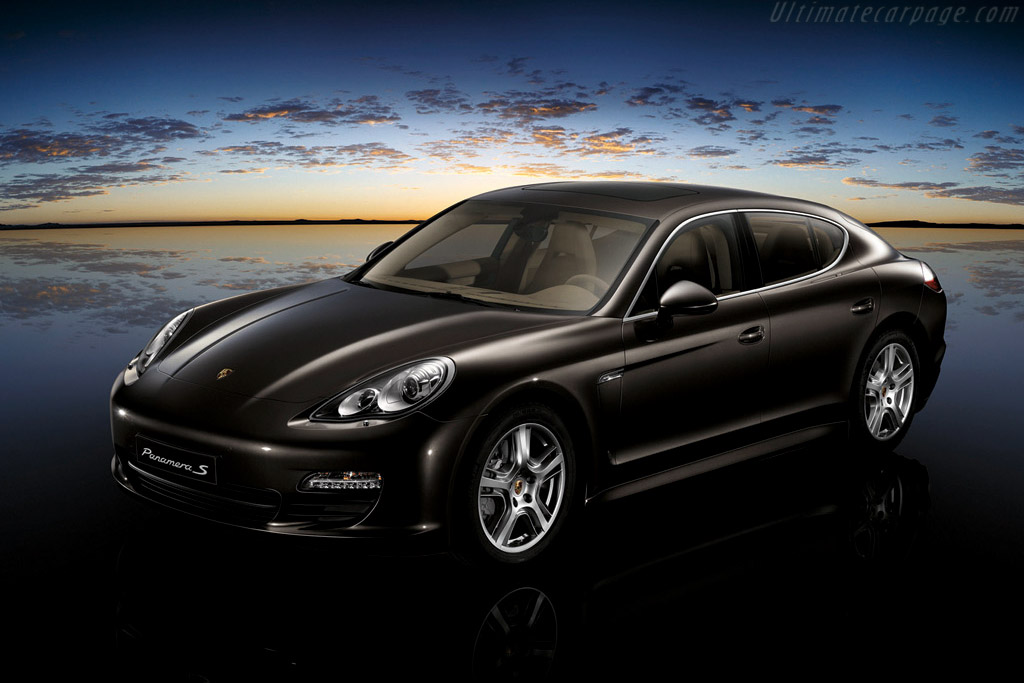 Click here to open the Porsche Panamera S gallery
