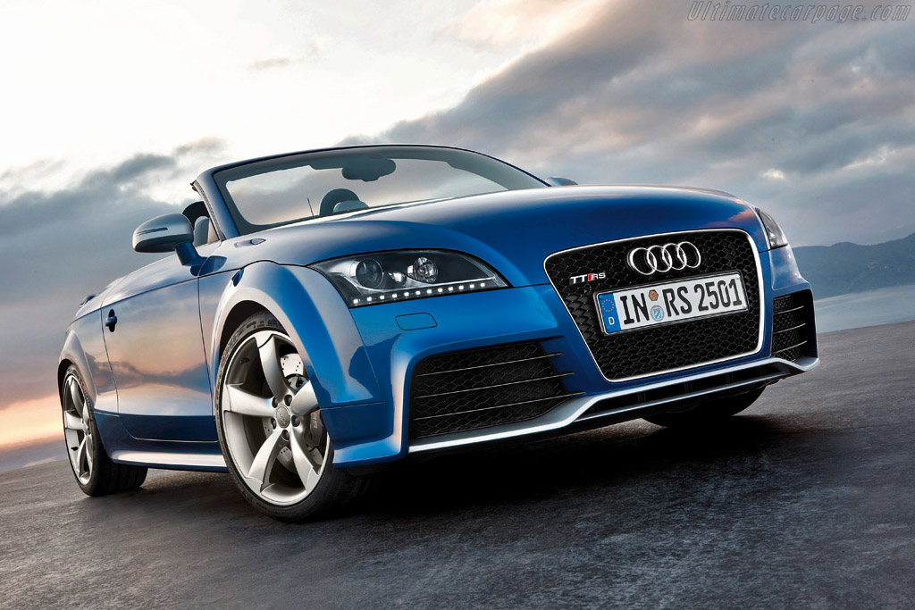 Click here to open the Audi TT RS Roadster gallery