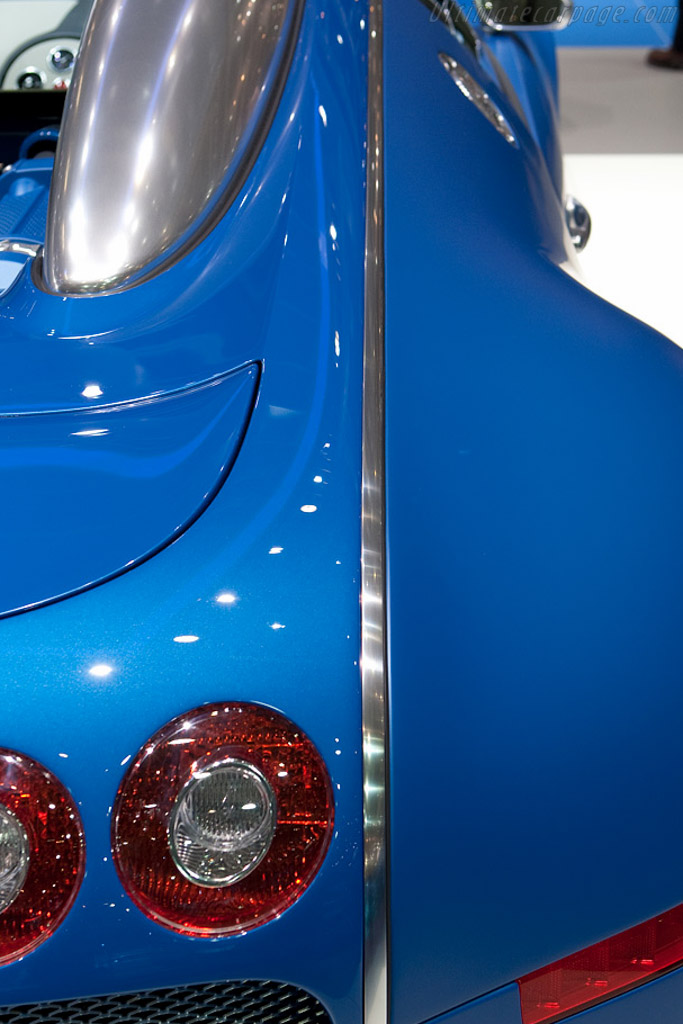 Bugatti Veyron 16.4 Bleu Centenaire    - 2009 Geneva International Motor Show