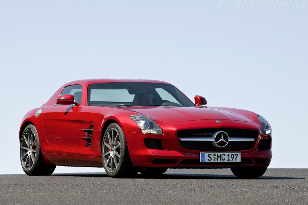 Click here to open the Mercedes-Benz SLS AMG gallery