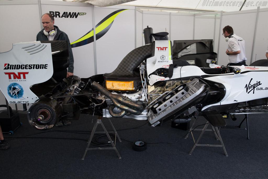 Brawn GP BGP001 Mercedes - Chassis: BGP001-02   - 2016 Goodwood Festival of Speed