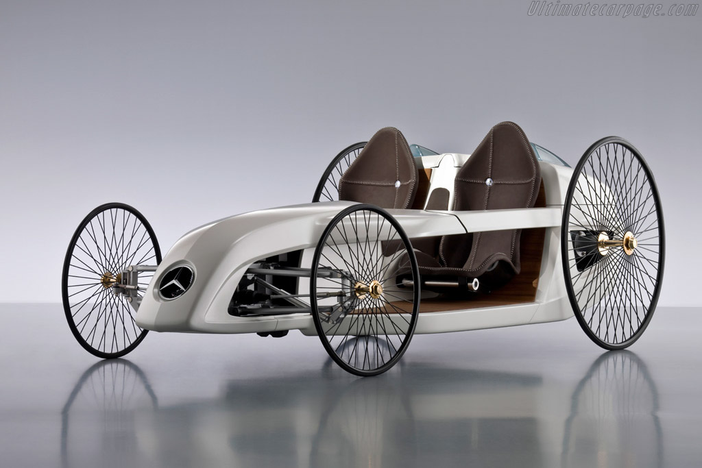 Click here to open the Mercedes-Benz F-Cell Roadster Concept gallery