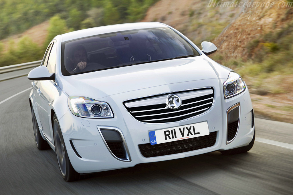 Click here to open the Vauxhall Insignia VXR gallery