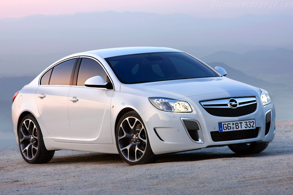 Click here to open the Opel Insignia OPC gallery
