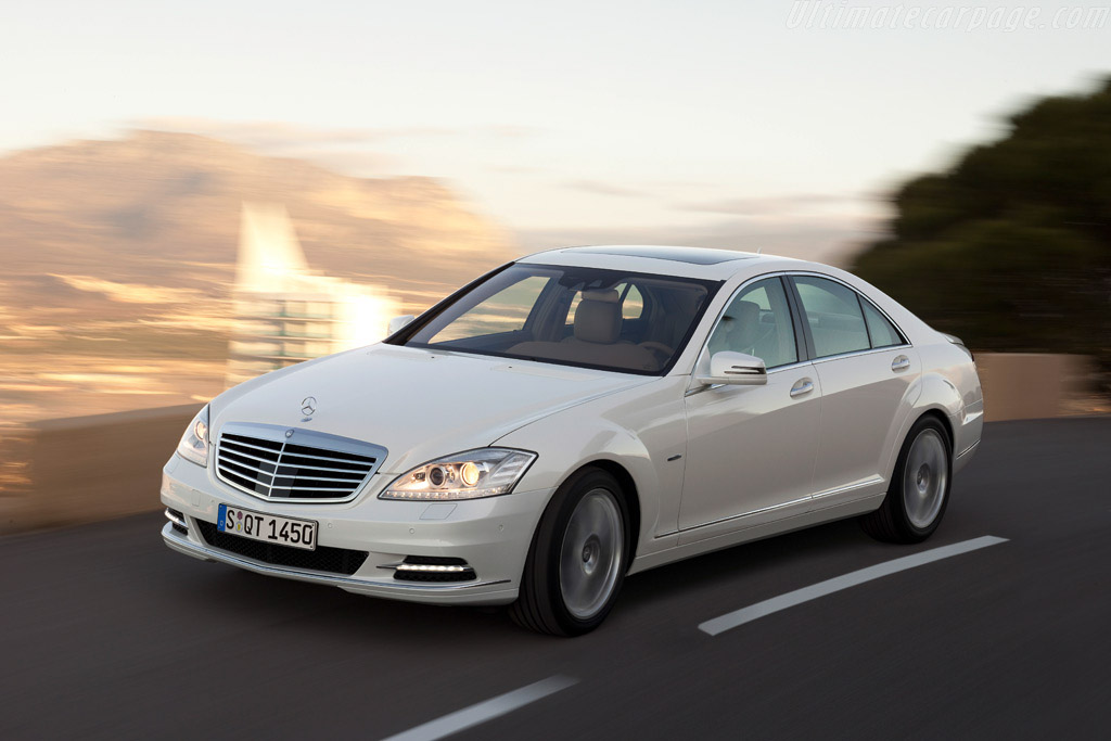 Click here to open the Mercedes-Benz S 400 Hybrid gallery
