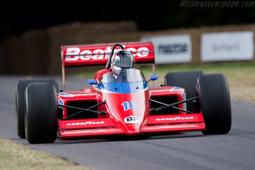 Click here to open the Beatrice-Lola THL1 Hart gallery