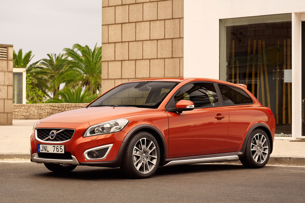 Click here to open the Volvo C30 T5 gallery