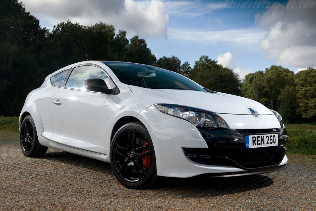 Click here to open the Renault Mégane RS 250 gallery