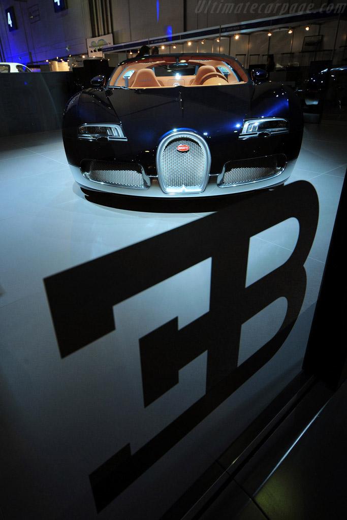 Bugatti Veyron 16.4 Grand Sport Soleil de Nuit