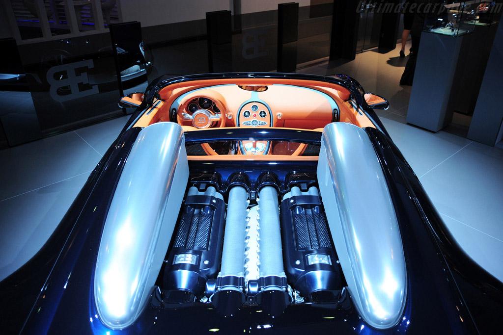 bugatti veyron 16 4 grand sport soleil de nuit. Black Bedroom Furniture Sets. Home Design Ideas