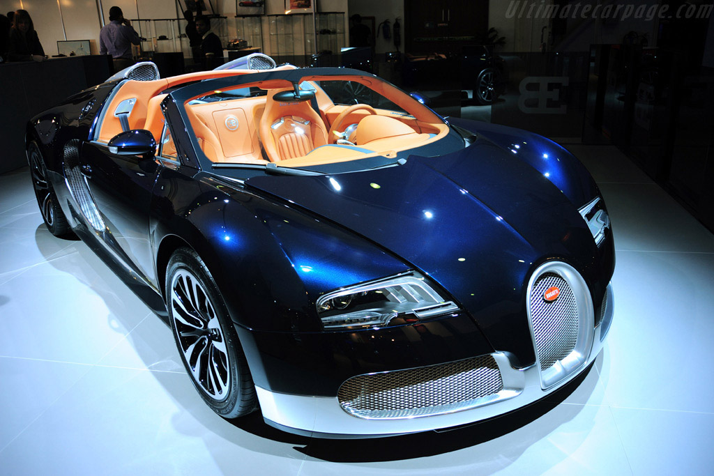 Click here to open the Bugatti Veyron 16.4 Grand Sport Soleil de Nuit gallery