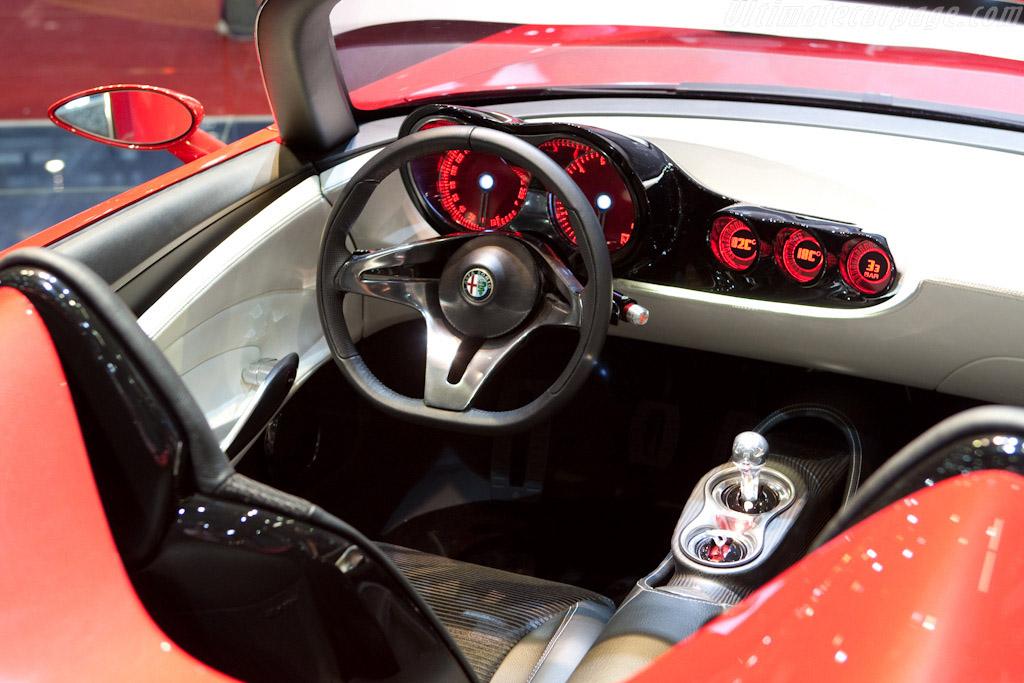 Alfa Romeo 2uettottanta Pininfarina Spider    - 2010 Geneva International Motor Show