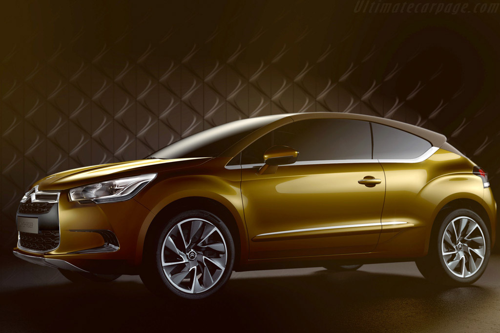 Click here to open the Citroën DS High Rider Concept gallery