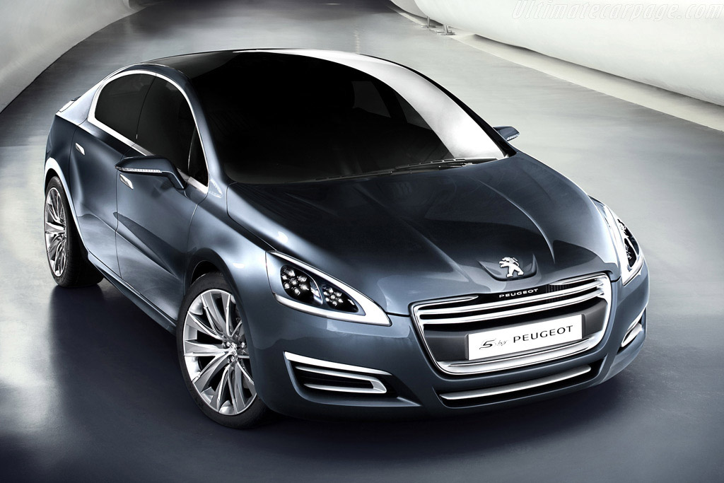 Click here to open the Peugeot 5 Concept gallery