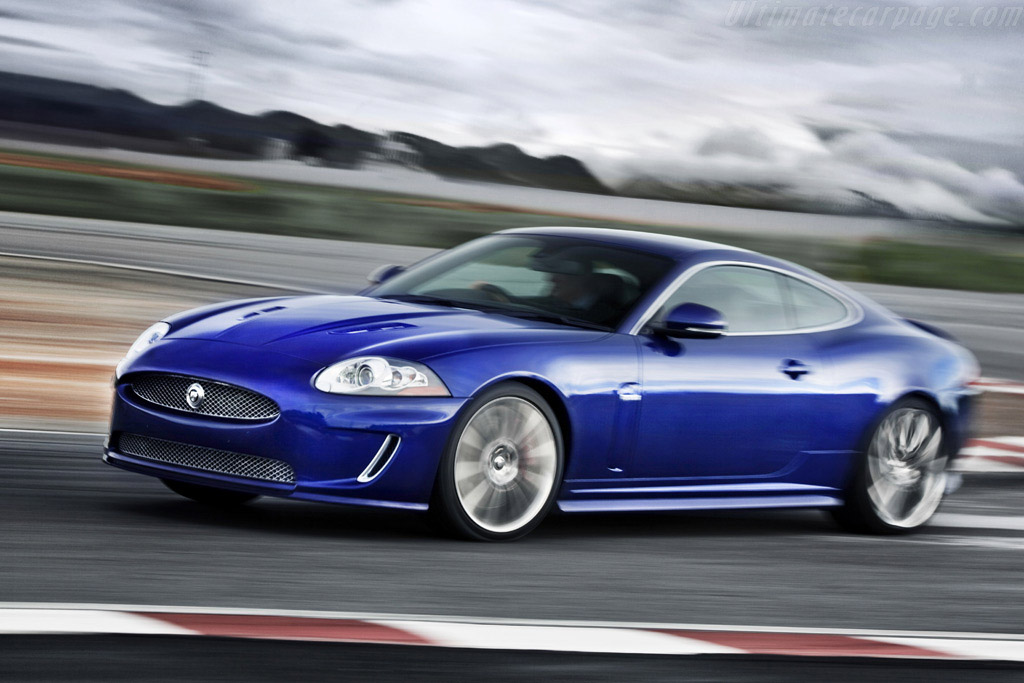 Click here to open the Jaguar XKR 5.0 Coupe gallery