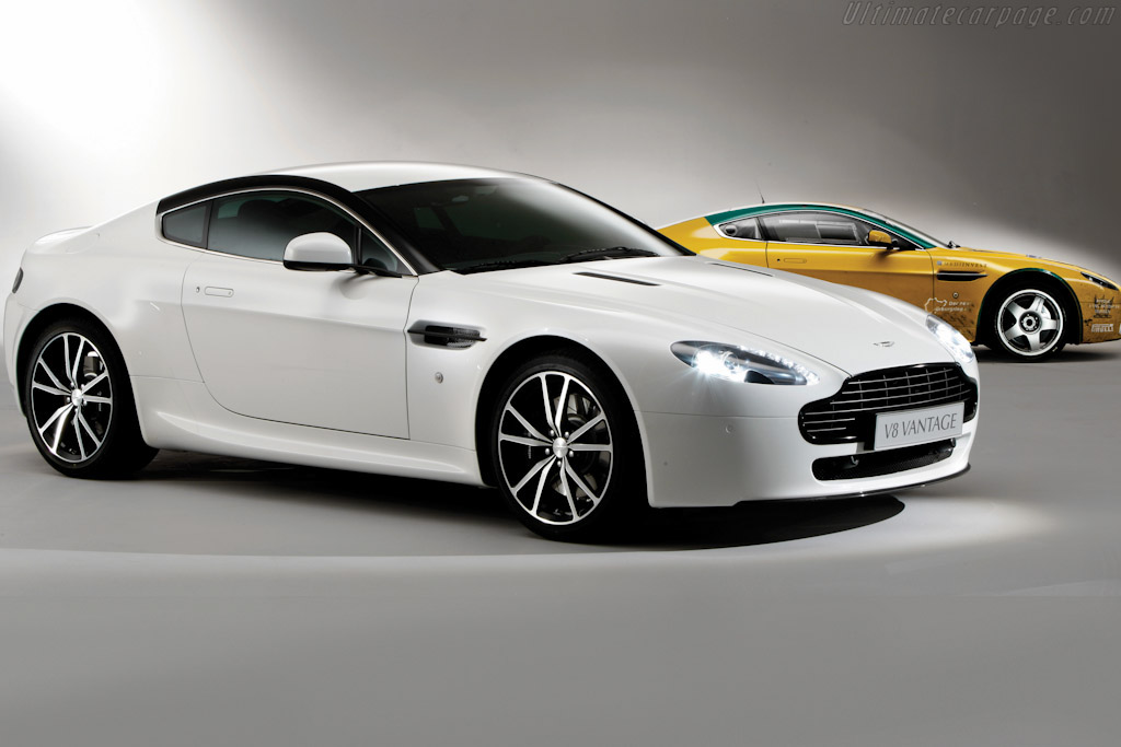 Click here to open the Aston Martin V8 Vantage N420 gallery