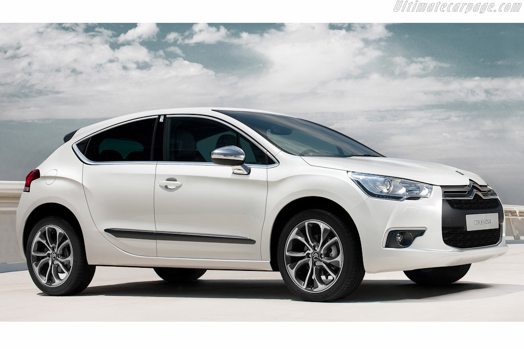 Click here to open the Citroën DS4 gallery