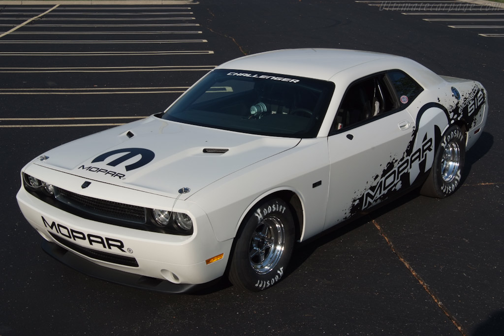 Click here to open the Dodge Challenger Drag Pak gallery
