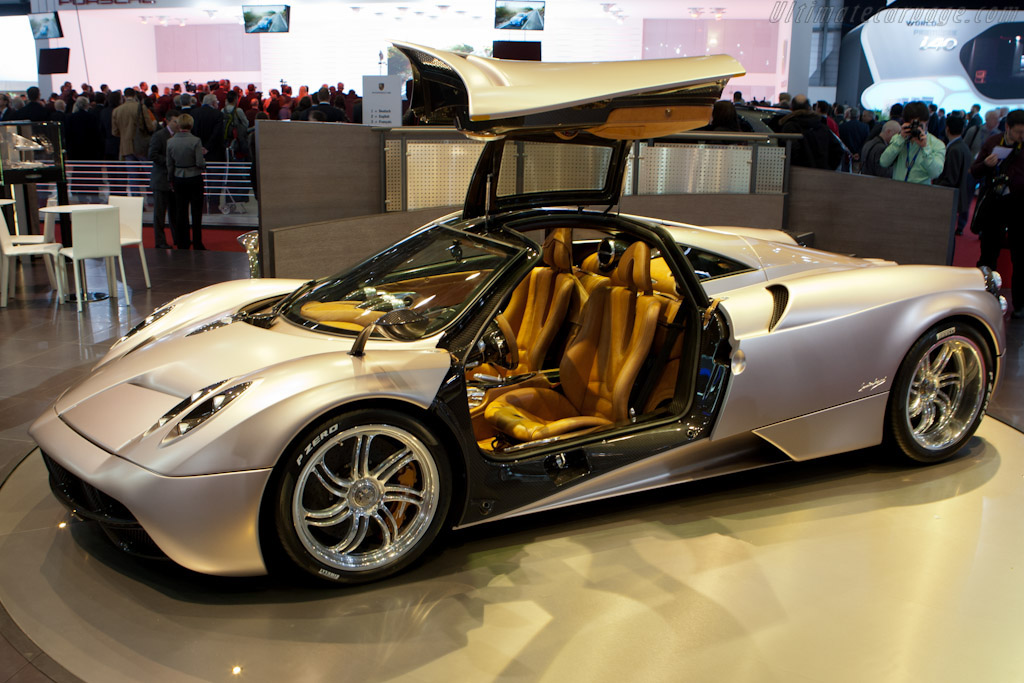 The top of the range specifications of our clone reproductions 2017 Pagani Huayra BC replica The perfect clone reproduction has a tube chassis with a new V12 engine