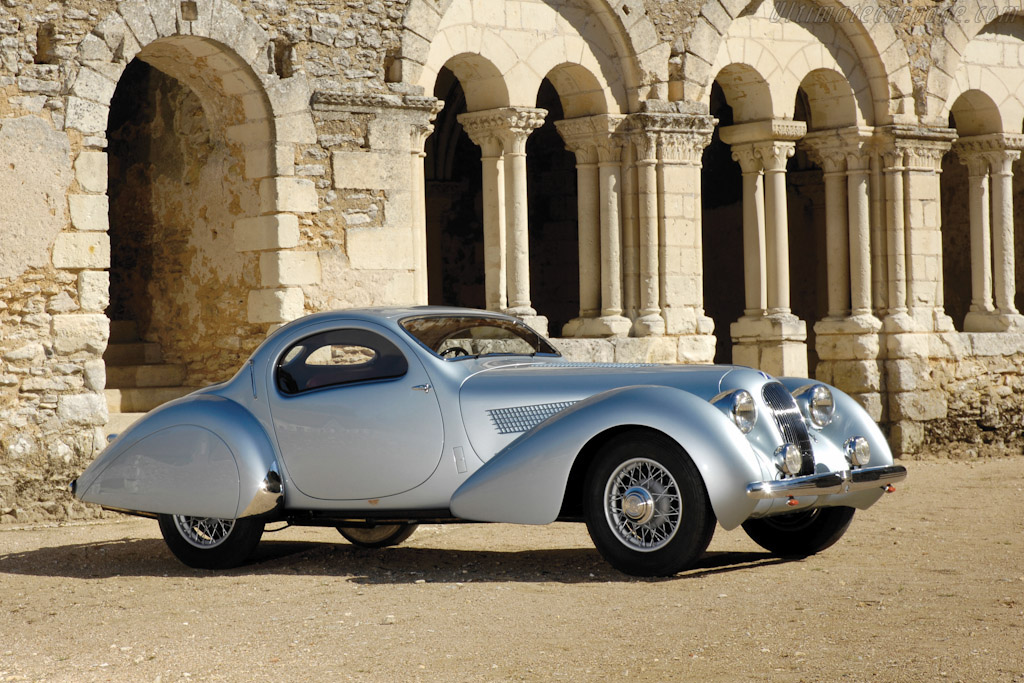 Click here to open the Talbot Lago T23 Figoni & Falaschi 'Jeancart' Teardrop Coupé gallery