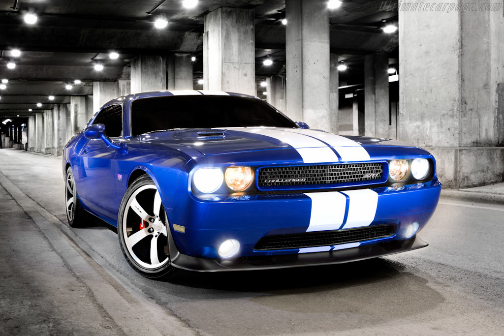 Click here to open the Dodge Challenger SRT8 392 gallery