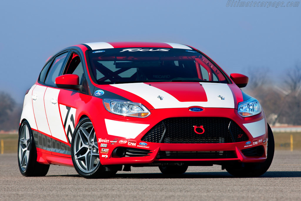 Click here to open the Ford Focus Race Car Concept gallery