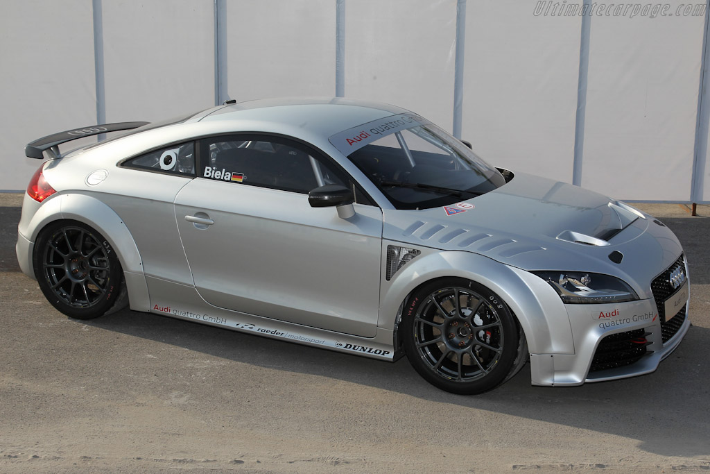 Click here to open the Audi TT GT4 gallery