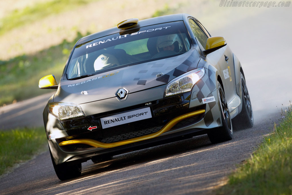 Click here to open the Renault Mégane RS N4 gallery