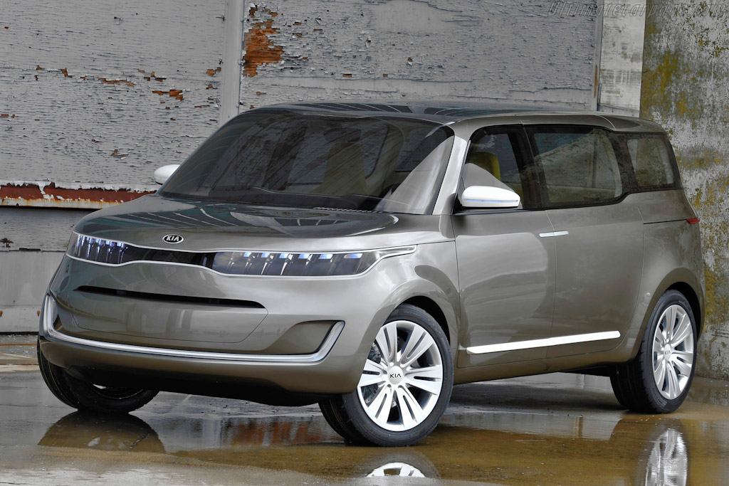 Click here to open the Kia KV7 Concept gallery